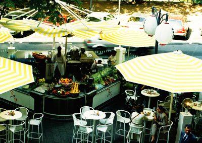 Restaurantmarketing - Mobiles Straßenrestaurant Düsseldorf Königsallee - Referenz - Innovation - REINVENTIS - Innovationsberatung - München - Freigegebene Details werden gerne in einem persönlichen Gespräch erläutert.